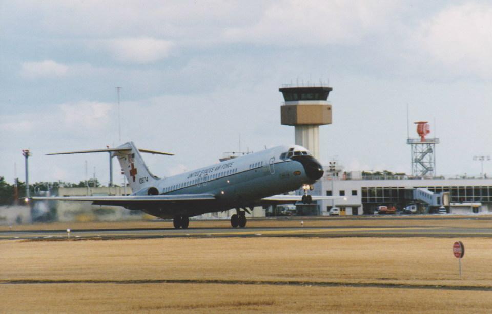 kumagorouさんのアメリカ空軍 McDonnell Douglas DC-9 (71-0874) 航空フォト