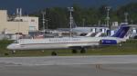 ゴンタさんが、ペインフィールド空港で撮影したエバーツ・エア・カーゴ MD-82SF (DC-9-82) の航空フォト(写真)