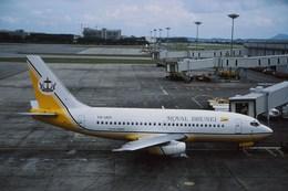 Fuseyaさんが、シンガポール・チャンギ国際空港で撮影したロイヤルブルネイ航空 737-2M6C/Advの航空フォト(飛行機 写真・画像)