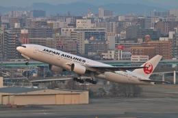 newskyさんが、福岡空港で撮影した日本航空 777-246の航空フォト(飛行機 写真・画像)