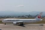 まぁぼーさんが、小松空港で撮影した日本航空 767-346の航空フォト(飛行機 写真・画像)