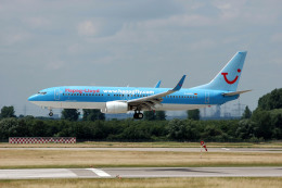 Gambardierさんが、デュッセルドルフ国際空港で撮影したハパック ロイド フルーク 737-8K5の航空フォト(飛行機 写真・画像)