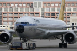 takluftさんが、フランクフルト国際空港で撮影したコンドル 767-31B/ERの航空フォト(飛行機 写真・画像)