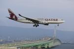 T.Sazenさんが、関西国際空港で撮影したカタール航空 A330-202の航空フォト(写真)