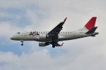tsubasa0624さんが、伊丹空港で撮影したジェイ・エア ERJ-170-100 (ERJ-170STD)の航空フォト(飛行機 写真・画像)