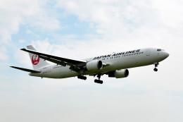 tsubasa0624さんが、伊丹空港で撮影した日本航空 767-346/ERの航空フォト(飛行機 写真・画像)