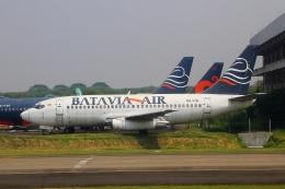 AkilaYさんが、スカルノハッタ国際空港で撮影したバタビア航空 737-281/Advの航空フォト(飛行機 写真・画像)
