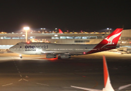 PGM200さんが、成田国際空港で撮影したカンタス航空 747-438の航空フォト(写真)
