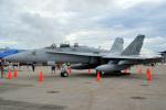 kon chanさんが、普天間飛行場で撮影したアメリカ海兵隊 F/A-18D Hornetの航空フォト(写真)