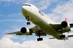 しゅあさんが、伊丹空港で撮影した日本航空 767-346の航空フォト(飛行機 写真・画像)