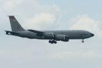 うめやしきさんが、厚木飛行場で撮影したアメリカ空軍 KC-135R/RC Stratotanker (717-100)の航空フォト(飛行機 写真・画像)