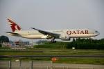Eckkyさんが、成田国際空港で撮影したカタール航空 777-2DZ/LRの航空フォト(写真)