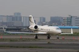 スポット110さんが、羽田空港で撮影したクレイ・レイシー・アヴィエーション G-IV Gulfstream IV-SPの航空フォト(飛行機 写真・画像)