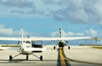 Dojalanaさんが、アントニオ・B・ウォン・パット国際空港で撮影したSKYDIVE GUAM 208B Grand Caravanの航空フォト(飛行機 写真・画像)