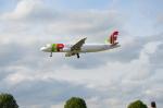 ひでかずさんが、ロンドン・ヒースロー空港で撮影したTAPポルトガル航空 A320-214の航空フォト(飛行機 写真・画像)