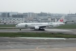 mojioさんが、福岡空港で撮影した日本航空 777-246の航空フォト(飛行機 写真・画像)