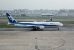 mojioさんが、福岡空港で撮影した全日空 767-381の航空フォト(飛行機 写真・画像)