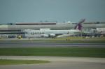 ひでかずさんが、ロンドン・ヒースロー空港で撮影したカタール航空 A380-861の航空フォト(飛行機 写真・画像)