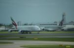 ひでかずさんが、ロンドン・ヒースロー空港で撮影したエミレーツ航空 A380-861の航空フォト(飛行機 写真・画像)