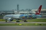 ひでかずさんが、ロンドン・ヒースロー空港で撮影したターキッシュ・エアラインズ 777-3F2/ERの航空フォト(飛行機 写真・画像)