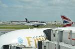 ひでかずさんが、ロンドン・ヒースロー空港で撮影したシンガポール航空 A380-841の航空フォト(飛行機 写真・画像)