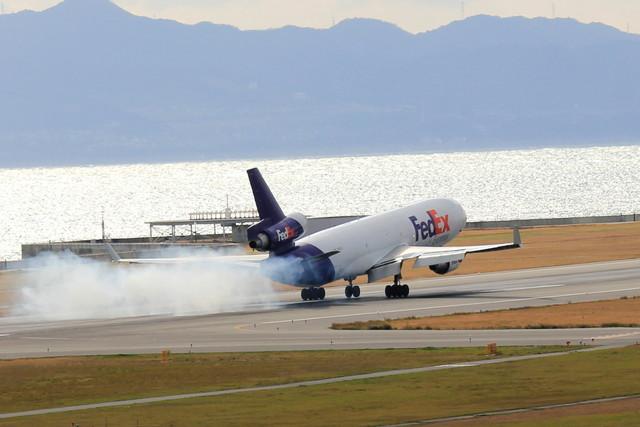 takepapaさんが、関西国際空港で撮影したフェデックス・エクスプレス MD-11Fの航空フォト(飛行機 写真・画像)