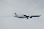 tacnacさんが、千歳基地で撮影した全日空 777-381の航空フォト(写真)