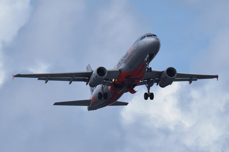 tsubasa0624さんのジェットスター・ジャパン Airbus A320 (JA03JJ) 航空フォト
