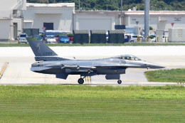 tsubasa0624さんが、嘉手納飛行場で撮影したアメリカ空軍 F-16C-30-CF Fighting Falconの航空フォト(写真)