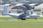 tsubasa0624さんが、嘉手納飛行場で撮影したアメリカ海兵隊 C-130 Herculesの航空フォト(飛行機 写真・画像)