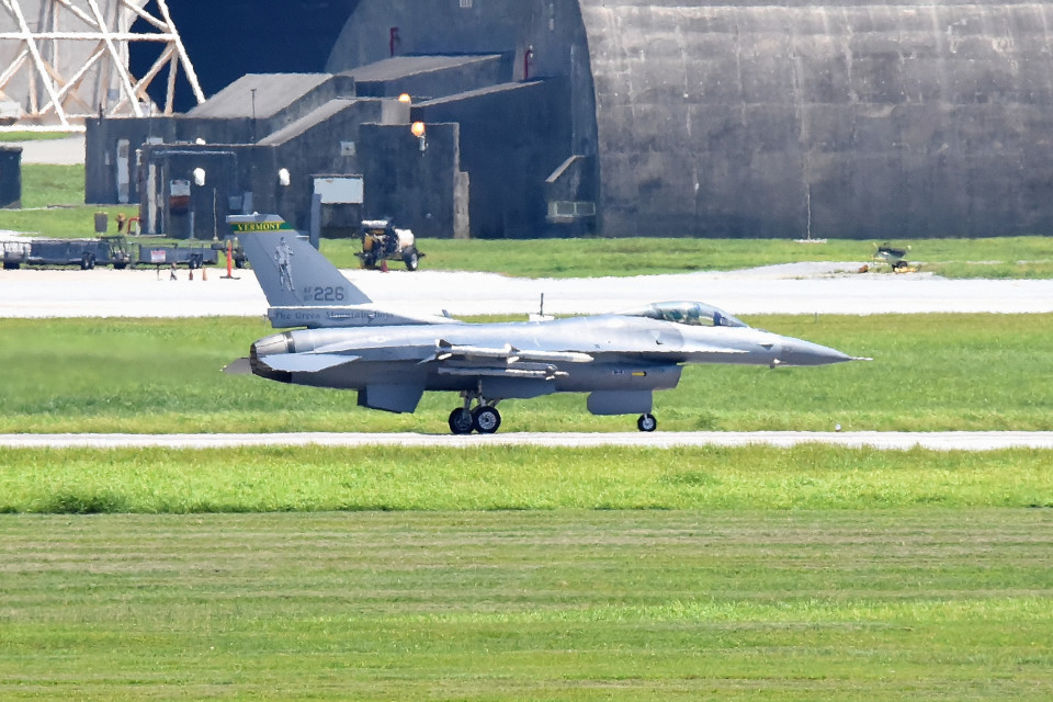 tsubasa0624さんのアメリカ空軍 General Dynamics F-16 Fighting Falcon (87-0266) 航空フォト