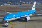 Airfly-Superexpressさんが、福岡空港で撮影したKLMオランダ航空 777-206/ERの航空フォト(飛行機 写真・画像)