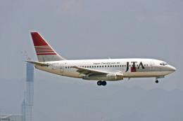 Gambardierさんが、関西国際空港で撮影した日本トランスオーシャン航空 737-2Q3/Advの航空フォト(飛行機 写真・画像)