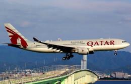 T.Kenさんが、関西国際空港で撮影したカタール航空 A330-202の航空フォト(飛行機 写真・画像)