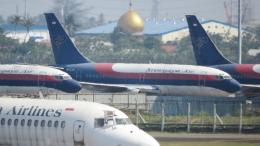 誘喜さんが、スカルノハッタ国際空港で撮影したスリウィジャヤ航空 737-2B7/Advの航空フォト(飛行機 写真・画像)