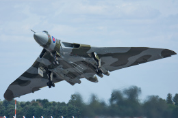 Tomo-Papaさんが、フェアフォード空軍基地で撮影したイギリス空軍 698 Vulcan B2Aの航空フォト(写真)