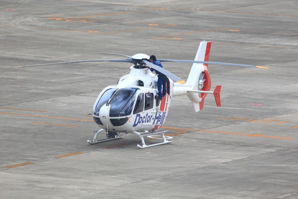 T.Sazenさんの日本法人所有 Eurocopter EC135/635 (JA555H) 航空フォト