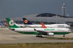 T.Sazenさんが、関西国際空港で撮影したエバー航空 A330-203の航空フォト(写真)