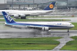 tsubasa0624さんが、羽田空港で撮影した全日空 767-381の航空フォト(飛行機 写真・画像)