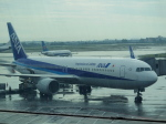 JA8037さんが、広州白雲国際空港で撮影した全日空 767-381/ERの航空フォト(飛行機 写真・画像)