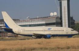 ちゅういちさんが、トビリシ国際空港で撮影したナスエア 737-2Q8/Advの航空フォト(飛行機 写真・画像)