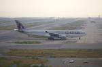 関空と同い年さんが、関西国際空港で撮影したカタール航空 A330-302の航空フォト(写真)