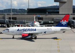 Bokuranさんが、チューリッヒ空港で撮影したエア・セルビア A319-131の航空フォト(写真)