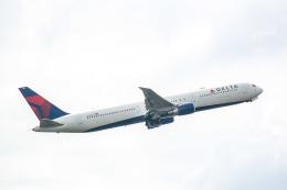Salamさんが、ロンドン・ヒースロー空港で撮影したデルタ航空 767-432/ERの航空フォト(飛行機 写真・画像)