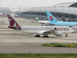 ふみちんさんが、関西国際空港で撮影したカタール航空 A330-202の航空フォト(飛行機 写真・画像)