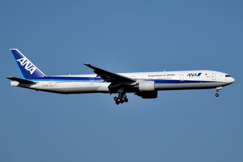 tsubasa0624さんの全日空 Boeing 777-300 (JA756A) 航空フォト