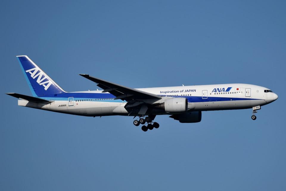 tsubasa0624さんの全日空 Boeing 777-200 (JA8968) 航空フォト