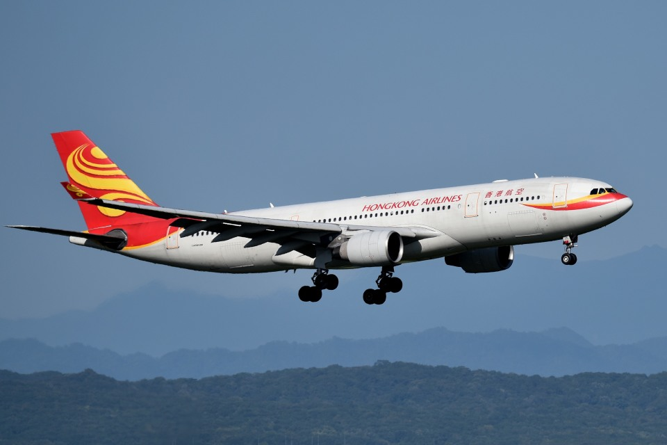 tsubasa0624さんの香港航空 Airbus A330-200 (B-LNG) 航空フォト