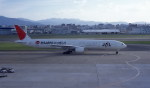 kumagorouさんが、福岡空港で撮影した日本航空 777-346の航空フォト(飛行機 写真・画像)
