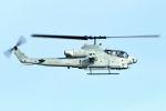 うめやしきさんが、嘉手納飛行場で撮影したアメリカ海兵隊 AH-1W SuperCobraの航空フォト(飛行機 写真・画像)